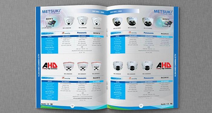 Catalogue nền trắng, viền xanh ấn tượng